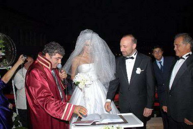 Свадьба Бергюзар Корел и Халита Эргенч